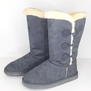 Ugg Bailey Button Boots Gray Suede Size 8 Like New